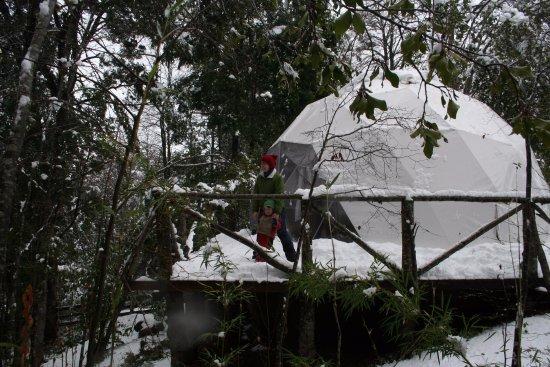 Curacautin, ชิลี: Domo LLaima despues de una nevada