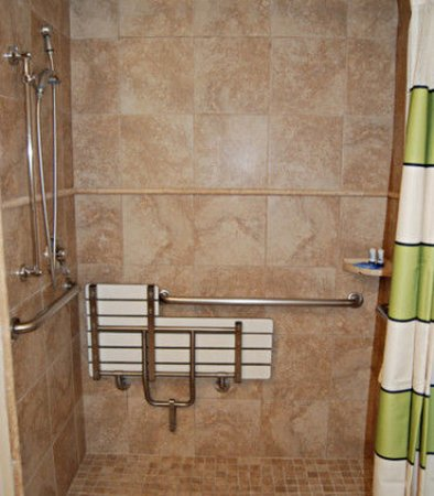 Mission Viejo, Καλιφόρνια: Accessible Guest Bathroom