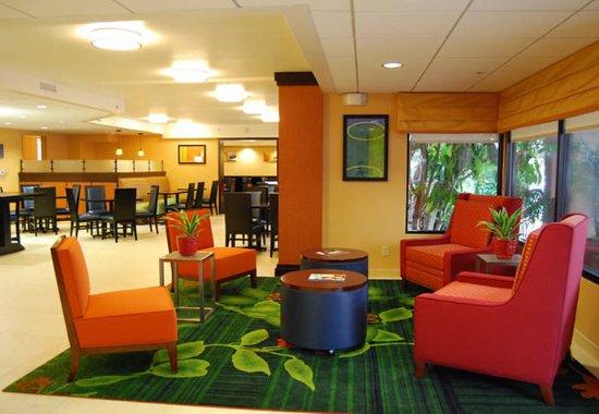 Mission Viejo, Kaliforniya: Lobby Sitting Area