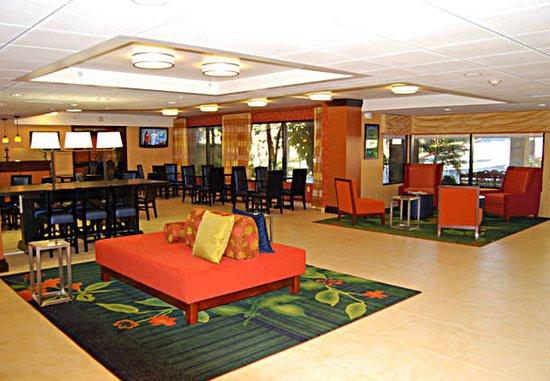 Mission Viejo, CA: Lobby