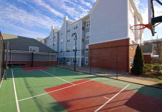 Residence Inn Princeton at Carnegie Center: Sport Court
