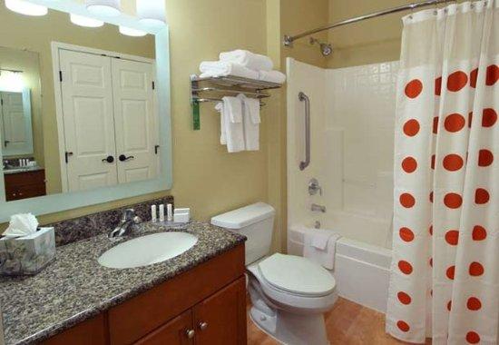 Campbell, Californien: Suite Bathroom