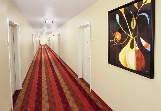 Campbell, CA: Interior Halls