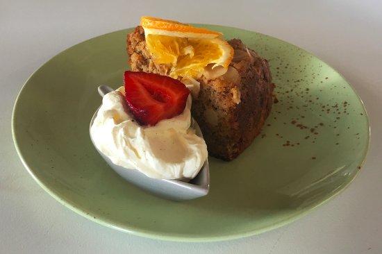 Gympie, Australia: Almond Cake