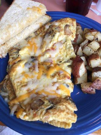 Sunset Grille & Raw Bar: Breakfast omelette
