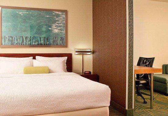 Peabody, MA: King Suite Bedroom