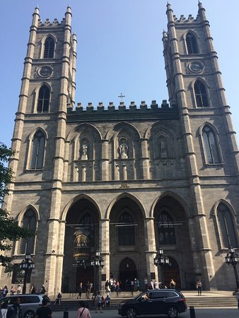 Free Old Montreal Tours : Notre Dame