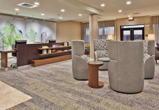 Auburn, AL : Lobby Seating Area