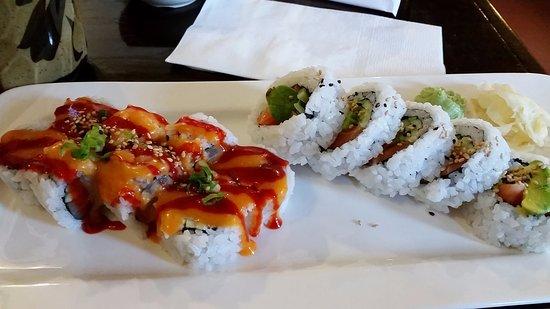 Coquitlam, Canadá: spicy tuna, salmon-avocado roll
