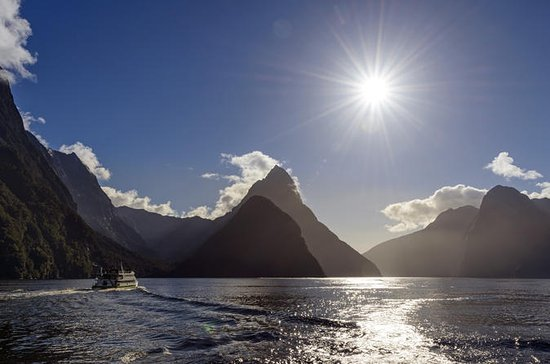 Milford Sound 12.5-Hour Coach Tour...