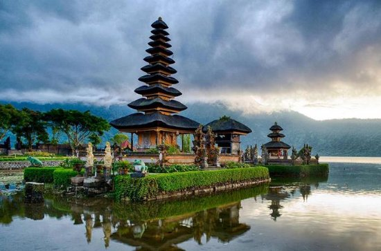 Private Full-Day West Bali Tour with ...