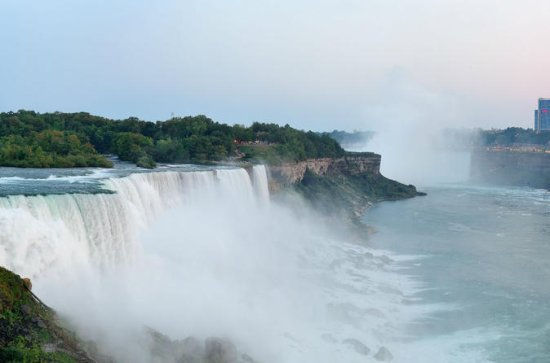 Full-Day Niagara Falls and Outlet Shopping Trip from Toronto
