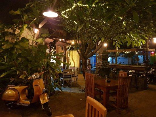 Omang Omang Bar Diner: Vespa in the Garden Bar.