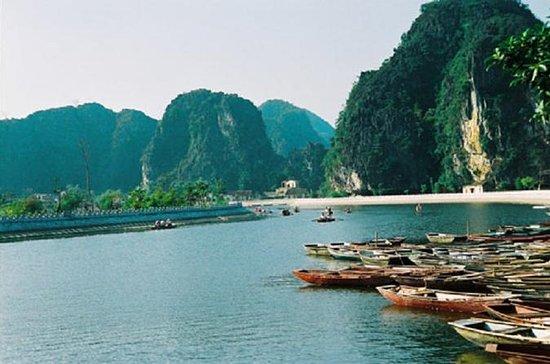 Group Tour Hoa Lu Tam Coc Ninh Binh...