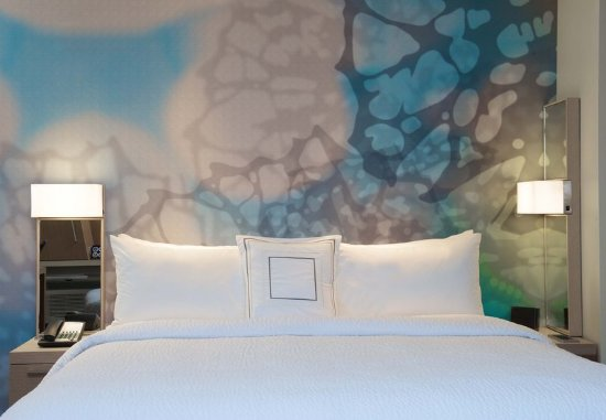 Everett, WA: King Guest Room