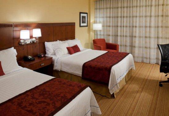 Bristol, VA: Queen/Queen Guest Room