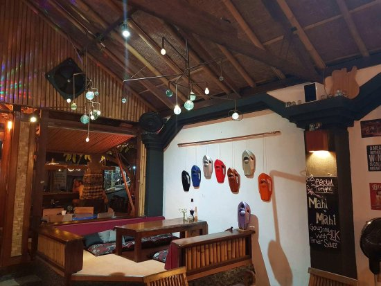 Omang Omang Bar Diner: Wall Skis.