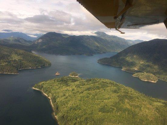 Grizzly Bear Lodge & Safari: photo0.jpg