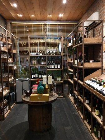 L'Assiette : Wine Store