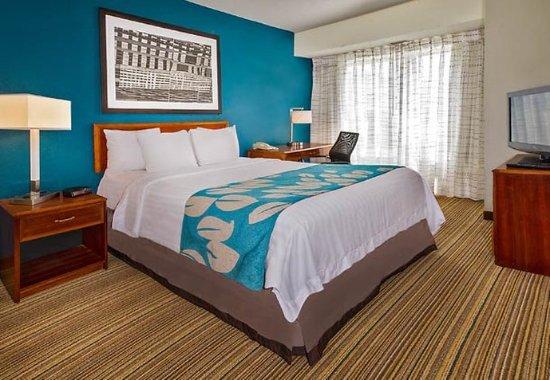 Ellicott City, MD: Two-Bedroom Suite Sleeping Area