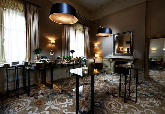 St. Pancras Renaissance Hotel London: The Billiard Room - Catering