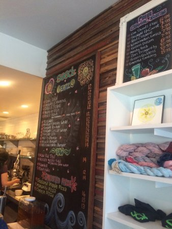 Seedz Cafe: Delicious food and many choices!
