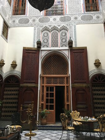 Riad Ibn Khaldoun : This is where we had breakfast