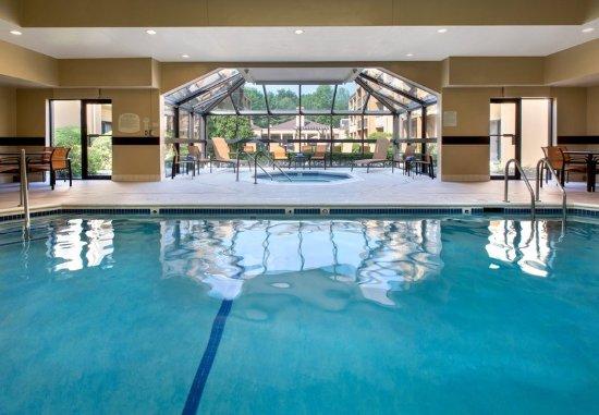 Andover, MA: Indoor Pool & Whirlpool