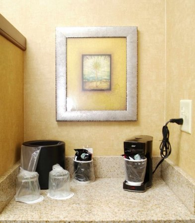 Kingston, NY: In-Room Amenities