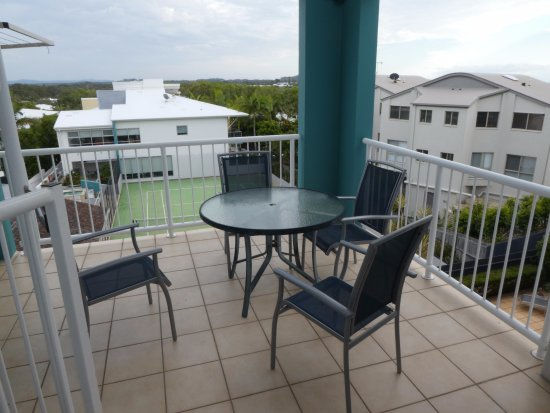 Coolum Beach, Australia: looking from lounge over balcony