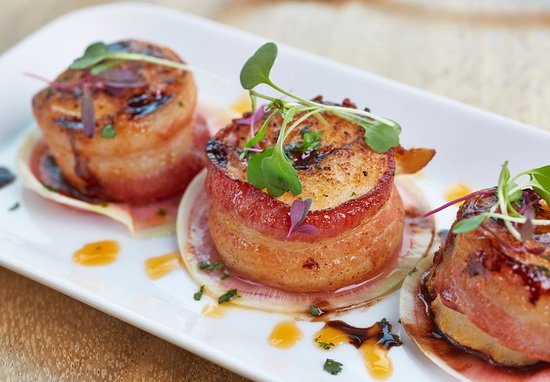 Kingsport, TN: The Meadows Restaurant - Bacon Wrapped Scallops