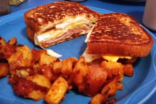 Plainville, CT: Ever had a French toast sandwich?