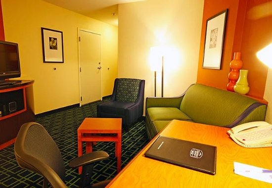 Turlock, Καλιφόρνια: Suite Living Area