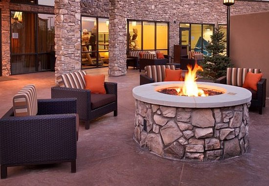 Lehi, UT: Outdoor Fire Pit