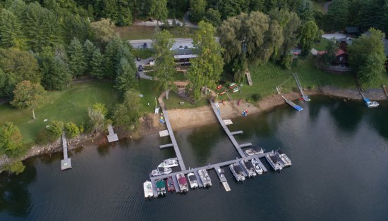 Topton, NC: Lakes End docks and boat slips