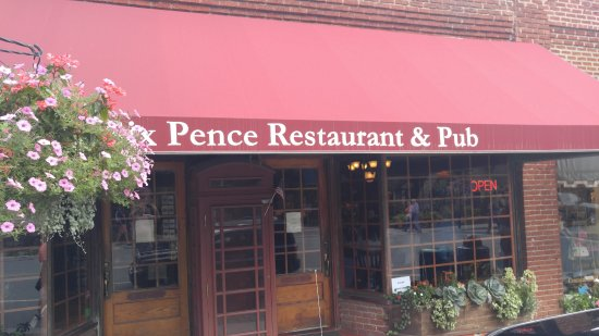 Six Pence Pub Blowing Rock: Outside of restaurant