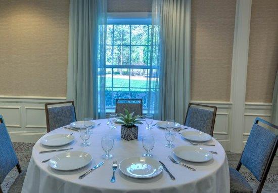 Courtyard Chapel Hill : Social Events - Details