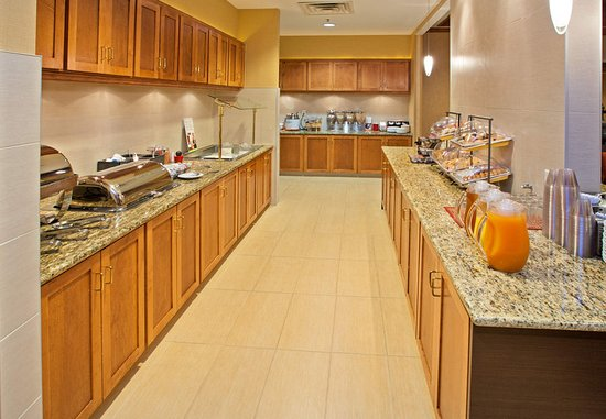 Residence Inn Louisville Downtown: Breakfast Buffet