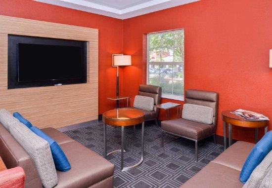 Rancho Cucamonga, Califórnia: Lobby - Lounge