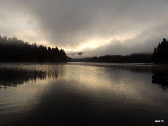Mercer Lake Resort: Sunrise from the dock!