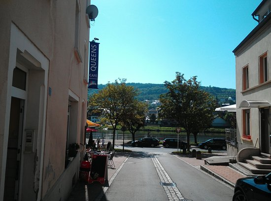 Wasserbillig, Luxembourg: Cafe Queens