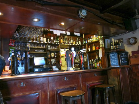 Craignure, UK: Well stocked bar