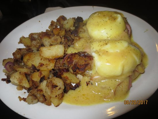 Waldport, OR: eggs Benedict