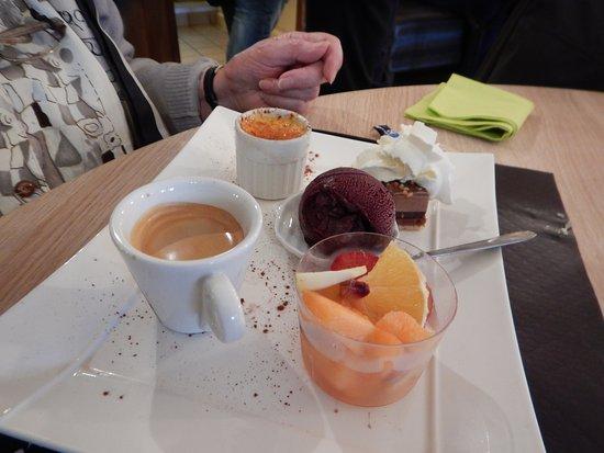 Bort-les-Orgues, France: Le café gourmand