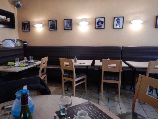 Bort-les-Orgues, France: La salle du restaurant Lou La Bohême