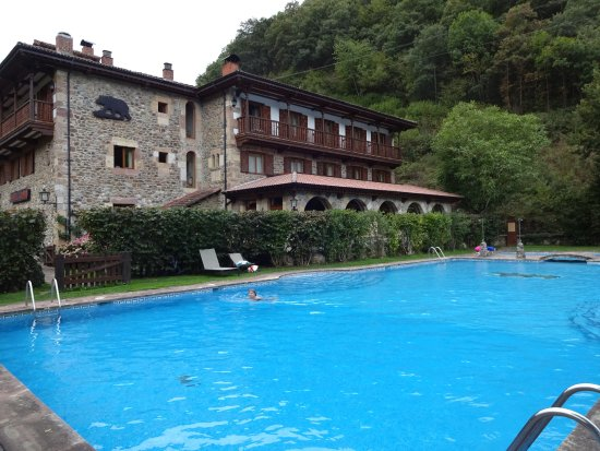 Hotel del Oso: Hotel and lovely pool