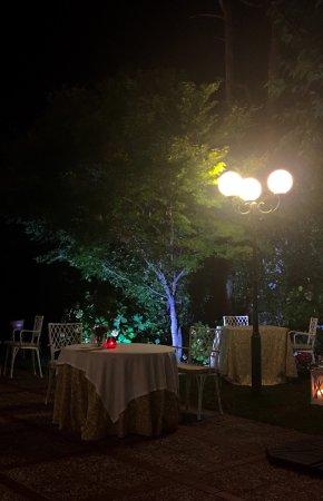 Estupenda Cena En Los Cedros Preciosa Terraza Y Relajante