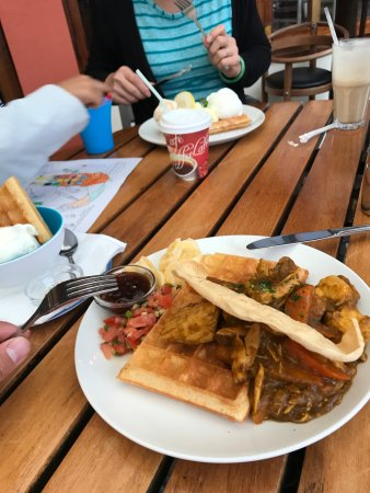Ramsgate, Güney Afrika: chicken curry waffle