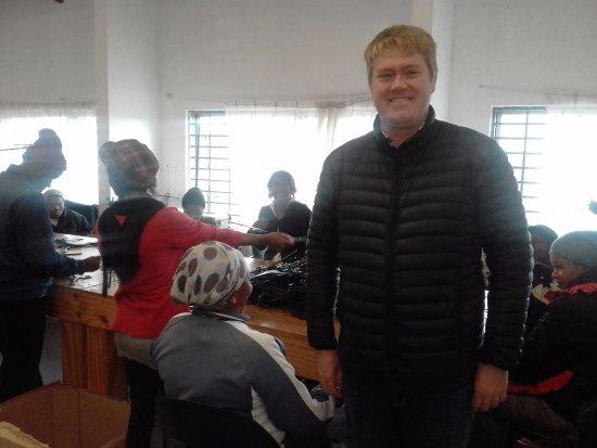 Guguletu, جنوب أفريقيا: At Vukuhambe with Wallie