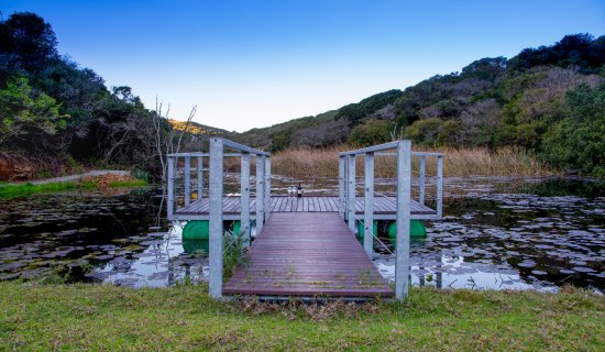 Thunzi Bush Lodge: Ntaka Bass Dam Jetty